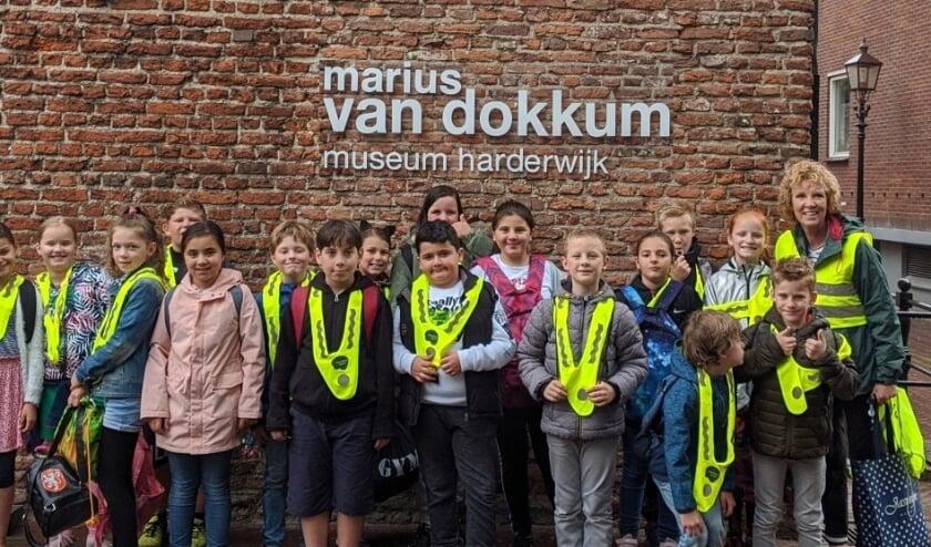 Groep 6 bezoekt Marius van Dokkum museum.