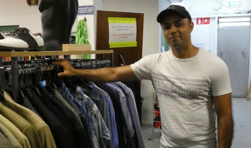 Mohammed Ali Bekhrad, vrijwilliger bij de Kringloopwinkel.