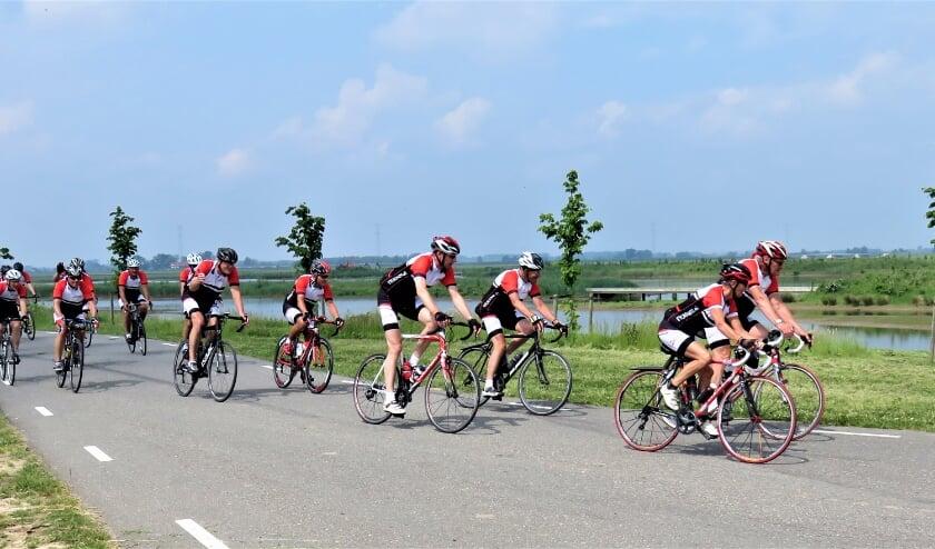 De fietstoertocht door drie provinciën van  FTC Avanti gbaat bijna van start. Foto: FTC Avanti