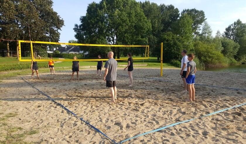 Beachvolleybal is in een paar jaar tijd razend populair geworden. Een echte zomersport.