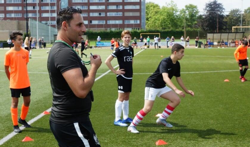 Rachid Chelah (36) heeft de laatste jaren in België gespeeld, voordat hij de voetbalschool start.