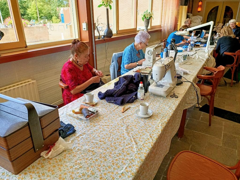 Het Repair Café Middelburg repareert steeds meer spullen die anders op de afvalhoop terecht komen. FOTO'S: REPAIR CAFÉ MIDDELBURG Foto: Repair café middelburg  © DPG Media