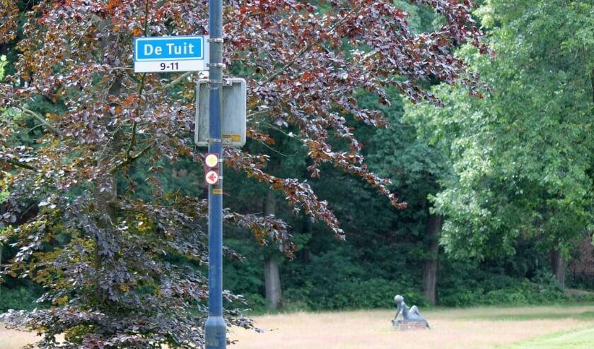Straat De Tuit gezien vanaf 't Veld in Terborg met huisnummers 9 en 11. (foto: Hilde Jentjens)