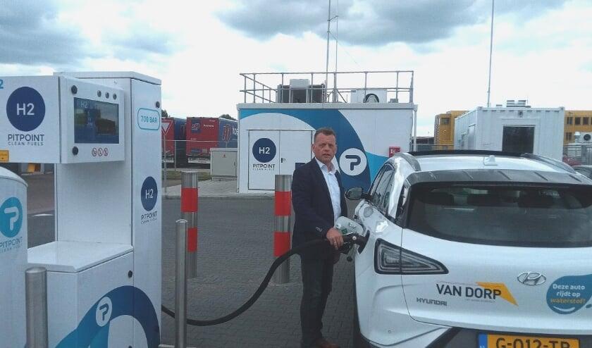 Twee van de stimuleringspakketten gingen naar installatiebedrijf Van Dorp Zevenaar. Directeur Martin Maatkamp wil het wagenpark verduurzamen.