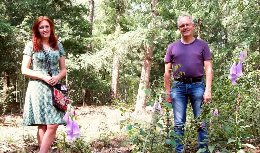 Ellen Bouter (voorzitter) en Pieter Jongsma (penningmeester) van de Stichting Woest & Bijster vertellen graag over hun project, maar dan bij voorkeur 'ergens op locatie'…