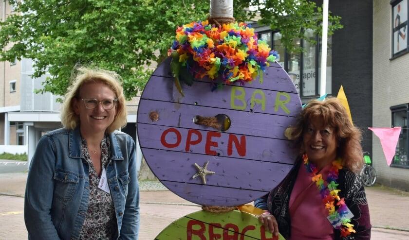 """Judith Bosch en Eileen Zaath van Piëzo: """"Met dit programma hopen we dat er genoeg te doen is voor ouderen"""" Foto: RM"""