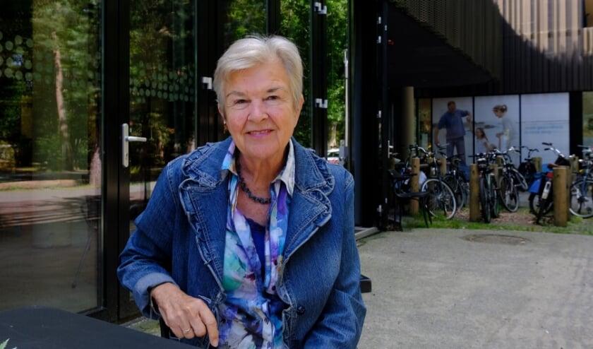 Anja Kroon bij het Binnenbos: ''Ik wil ouderen even uit hun kleine wereldje halen''.