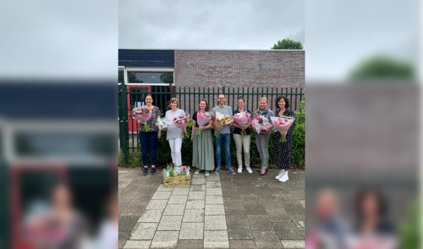 De gehuldigde collega's van CBS Sabina van Egmond. (Foto: J. van der Veeken)