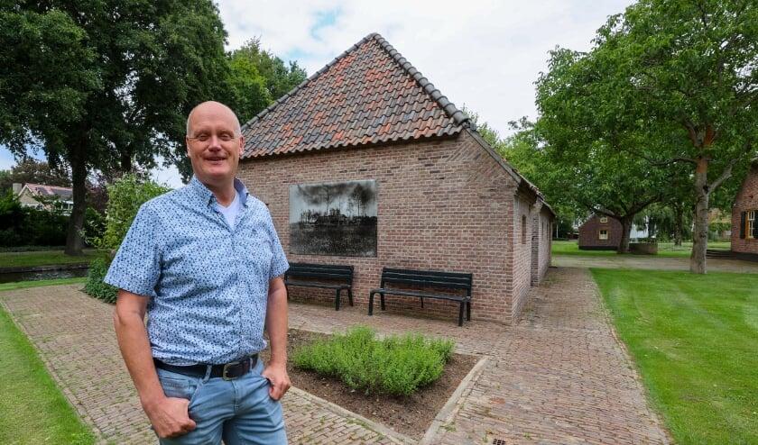 Hans Sonnemans van Museum 't Oude Slot. Zijn museum en Theater de Schalm hebben hunvnoodgedwongen sluiting nuttig besteed. FOTO: Bert Jansen.