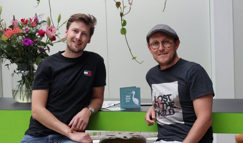 Sven Westervoorde uit Groenlo en Bo Moelker uit Boekelo hebben 'Lied voor jou'. (Eigen foto)