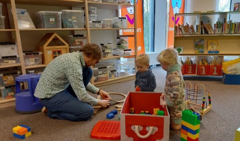 In de bibliotheek Kronenburg is nu ook speelgoed te leen.