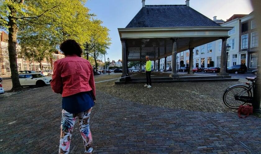 De maandelijkse rommelmarkt verhuist van de Vismarkt naar de Graanbeurs in Middelburg.