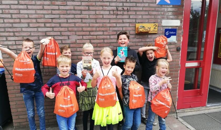 Blije leerlingen van basisschool 't Leemvoort in Westendorp.