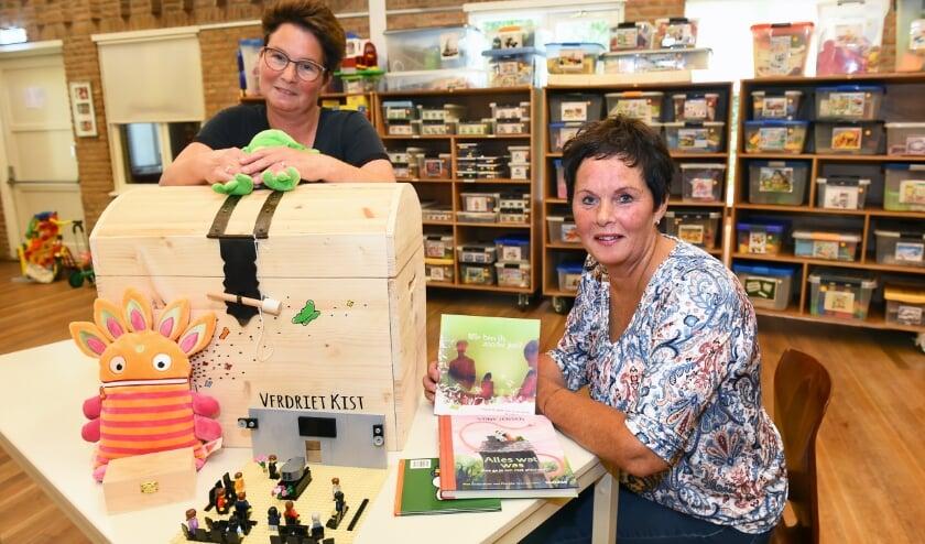 Nathalie Heusinkveld (links) en Everlien Schuurman. (foto: Roel Kleinpenning)