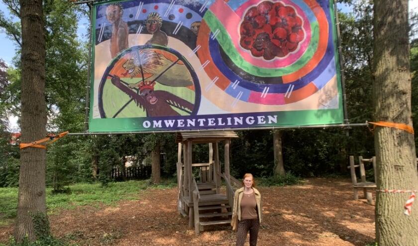 Beeldend kunstenaar Lotje de Lussanet voor haar Omwentelingen.