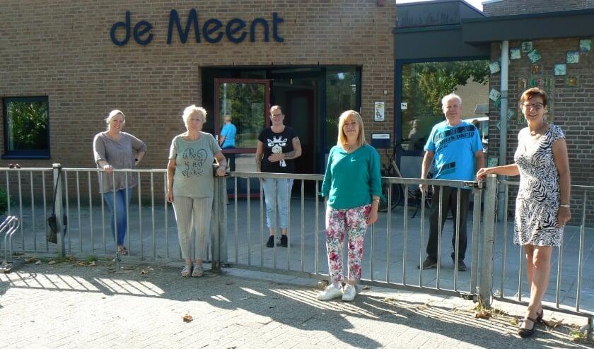 Medewerkers van de Eetclub zoeken enthousiaste vrijwilligers voor het team.