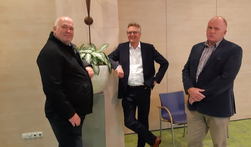 V.l.n.r. Ed Braam, Constantijn Dolmans en Marc Weterings, zijn het in ieder geval over één ding met elkaar eens: de discussie rondom Zwarte Piet moet niet gevoerd worden in de politiek.