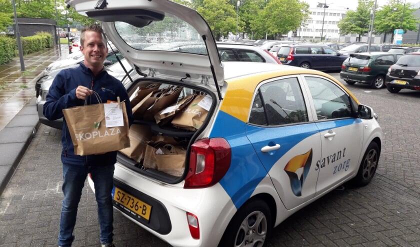 Nick van de Mortel, wijkverpleegkundige bij Savant-Zorg met een 'tasje aandacht'.