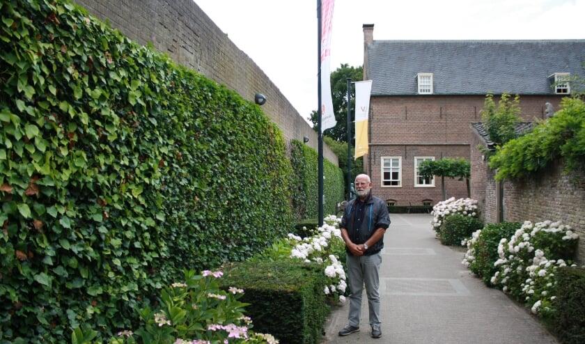 Cees van Bockel, een ''gewone'' Culemborger, raakte per toeval bij het Weescafé en de teloorgang ervan, betrokken.