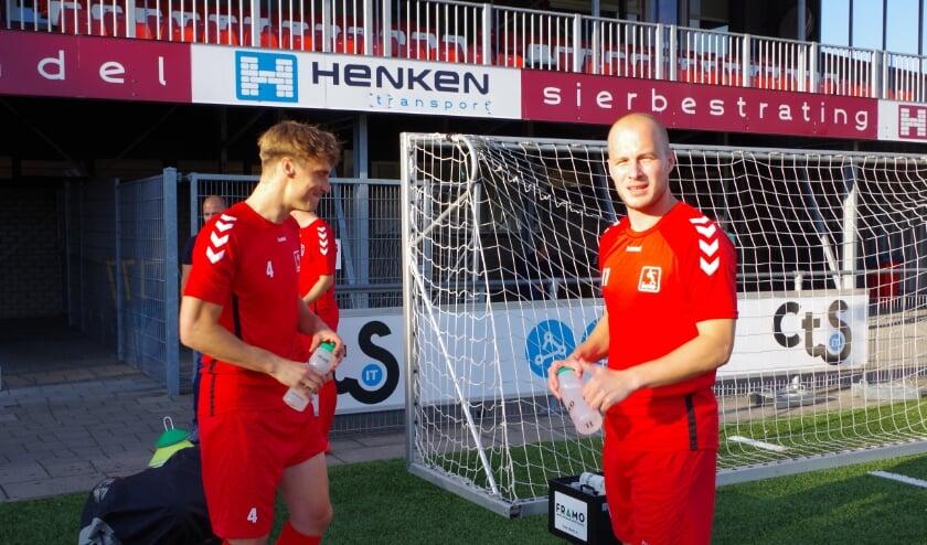 Links Barry Reijer (Spakenburg) en Nick de Bondt ( Hardenberg) komen dit seizoen de selectie van DOVO versterken, (foto Co Keulstra)