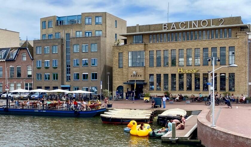 Het Bacinol-gebouw aan de Hooikade.