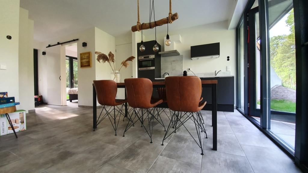 De huisjes zijn van veel gemakken voorzien en modern ingericht. Foto: In de Heuvelrug © DPG Media