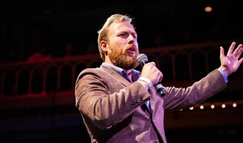 Stephen Bell tijdens zijn optreden in Paradiso.