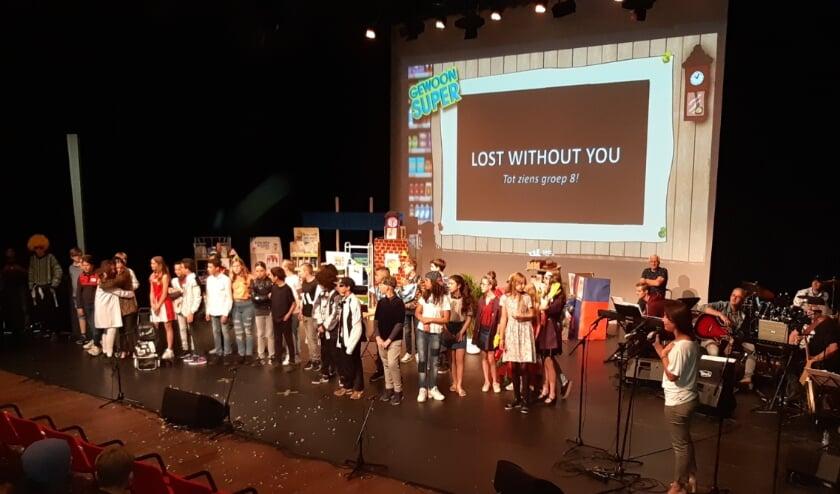 De musical van groep 8 werd twee keer opgevoerd in theater Spektakel. (Foto: pr)