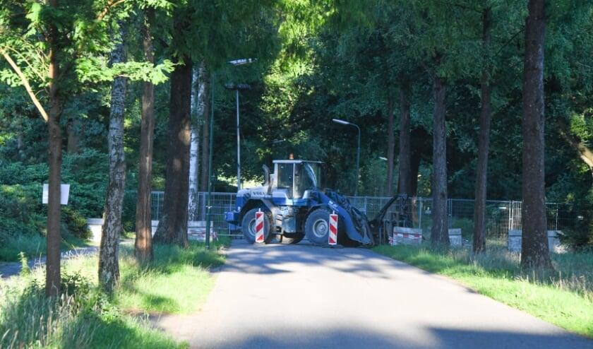 Roadblocks moeten boeren op afstand houden. Foto: FotoKoning