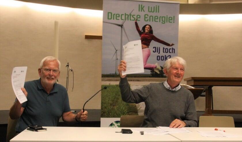 Voorzitters Gert-Jan Vogelaar van Drechtse Stromen en Willy Verbakel van Drechtse Energie. (Foto: pr)