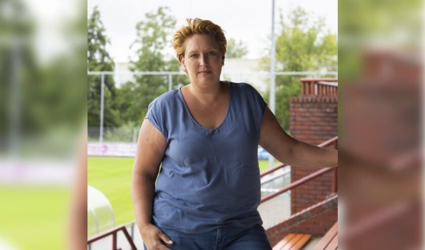 Bianca Post heeft al aardig de weg gevonden bij de voetbalclub CWO. Met voetbalzaken gaat zij zich niet bemoeien, maar gaat voor een strakke en herkenbare organisatie. Foto: Lotte Langezaal