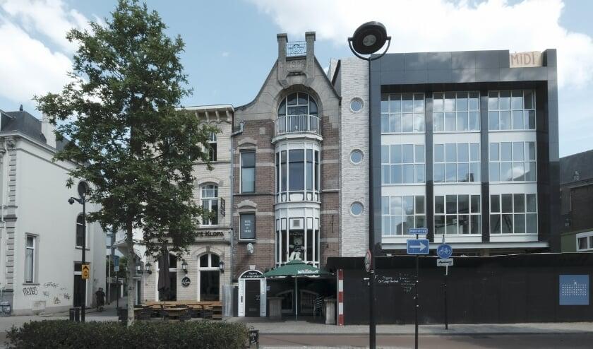 Het voormalige woonhuis van bouwmaterialenhandelaar Jan van Eijndhoven, gebouwd in 1908, een rijksmonument. Meer info staat op www.heemkundekringtilburg.nl.
