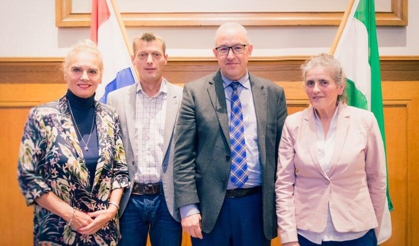 Lezers van De Havenloods op bezoek bij de burgemeester, eind 2019.