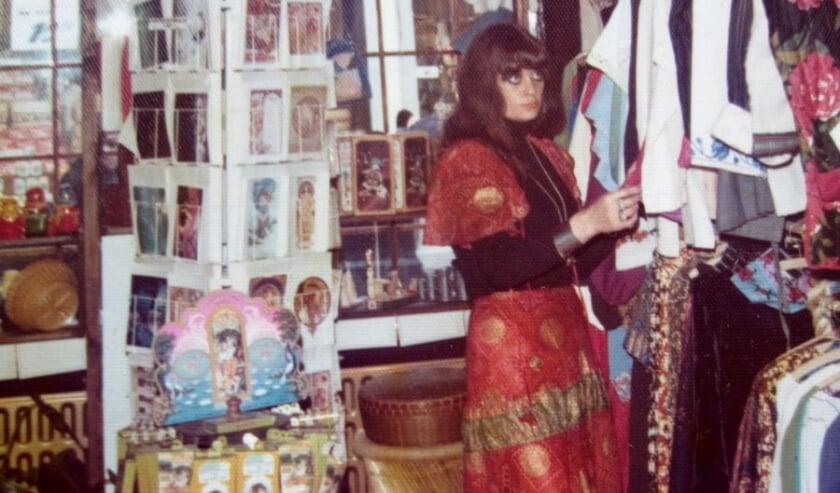 Corrie Alberts in haar winkel in de Hoogstraat.