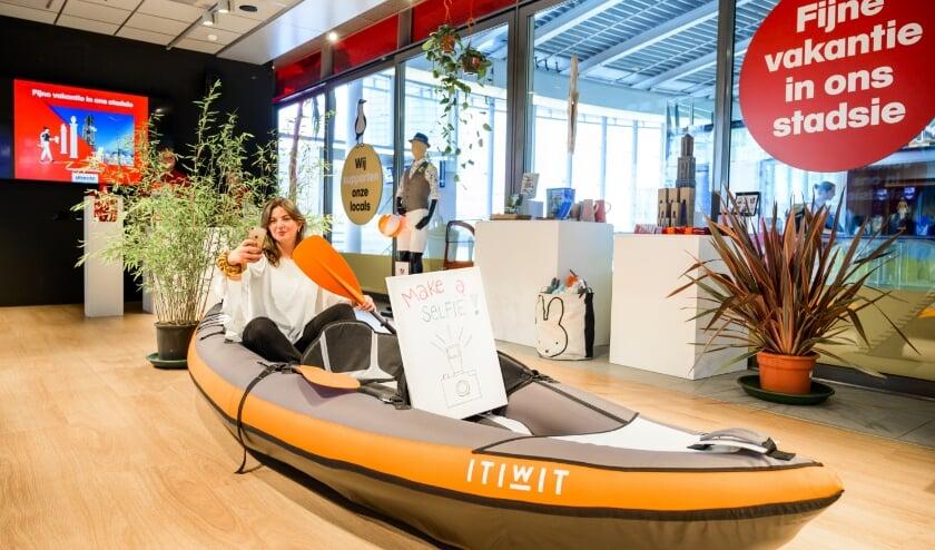 De pop-up vakantie- en informatiewinkel op station Utrecht Centraal. Foto: Jelmer de Haas