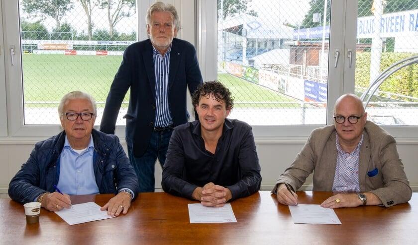 Vanaf links Adrie Timmer, Dick van Ingen, Grimbert van Blijderveen en Nico Wagenvoort. (Foto: Wim Brouwers)