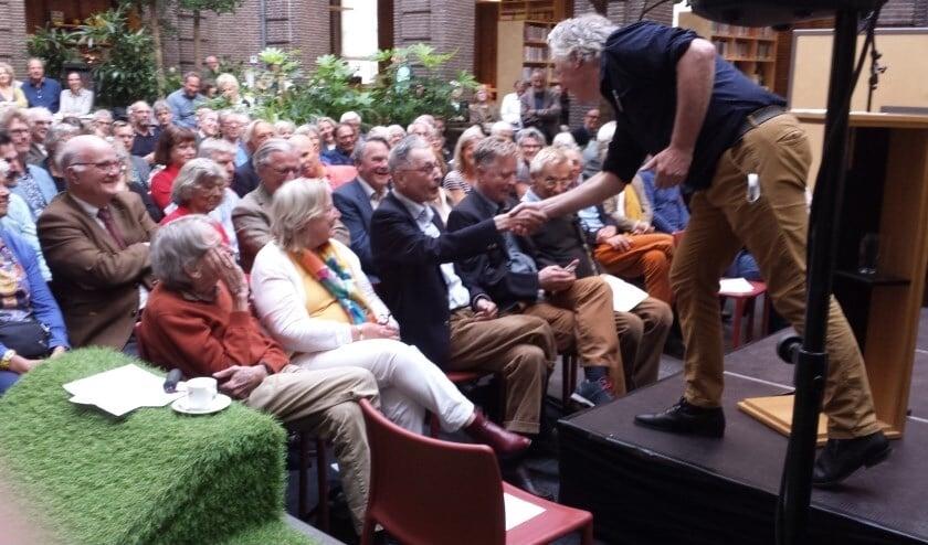 Maarten Biesheuvel was op zijn tachtigste verjaardag terug in Schiedam. (Foto: Jan van der Ploeg)