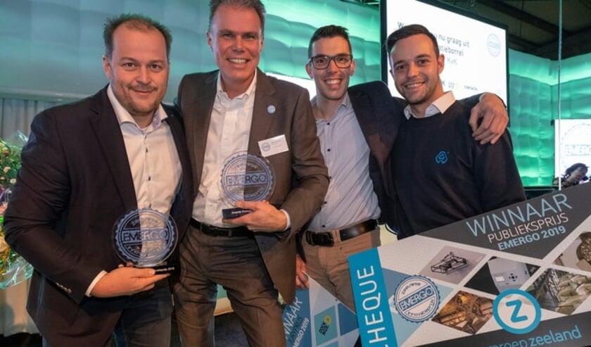 Winnaars Zeeuwse Innovatieprijs Emergo 2019 • Het Nemag-kwartet met de bokaal. Vlnr Guido van Koeveringe, direcetur Michel Corbeau, Wilbert de Kluijver en Manuel Cattoir.