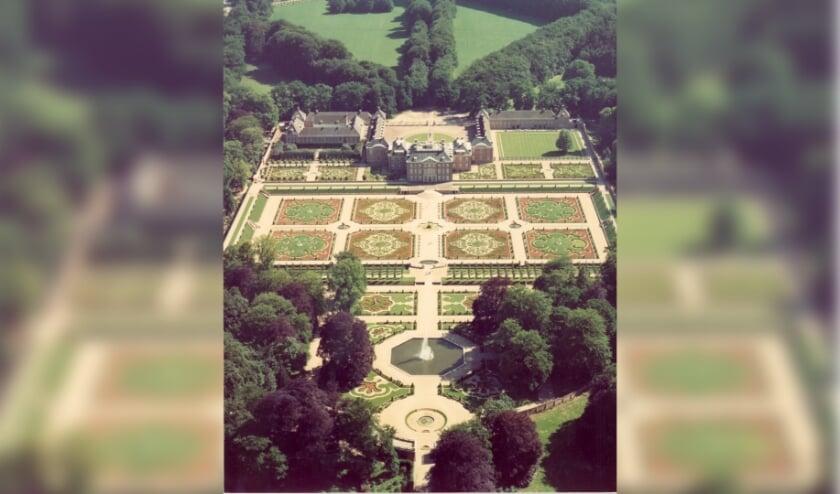 'Het geheugenkabinet' in de bieb staat maandag 17 augustus in het teken van de tuinen van Paleis Het Loo.