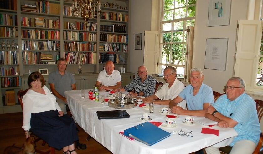 Het bestuur van de Stichting Landjuweel 1980: Topy Mertens, Henk van Hout, Wim van den Biggelaar, Toon van der Aa, Ad Aarts, Cees van Rijen, Harrie van Linnen. Hendrik van der Hamsvoort ontbreekt op de foto.
