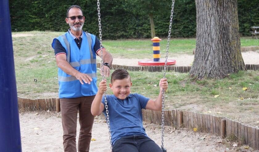Ook in de zomervakantie zijn er voor de jeugd nog voldoende activiteiten te ondernemen in de bouwspeeltuinen in het verspreidingsgebied van De Brug. Foto: Johan Maaswinkel