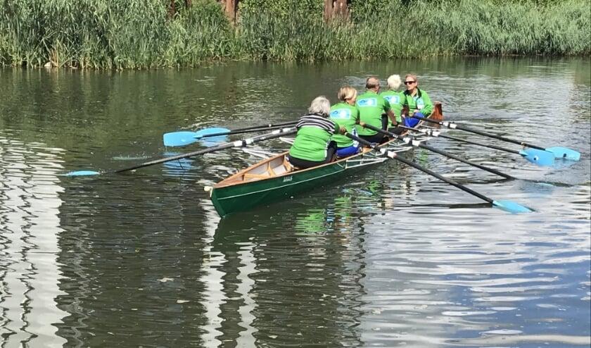 <p>Roeiers in de C4 op de Oude IJssel.</p>
