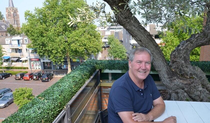 <p>Ruud de Bruin heeft uitzicht over het centrum van Best</p>