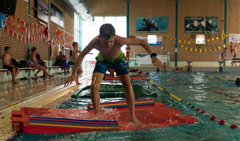 Obstakelbaan tijdens zwem4daagse