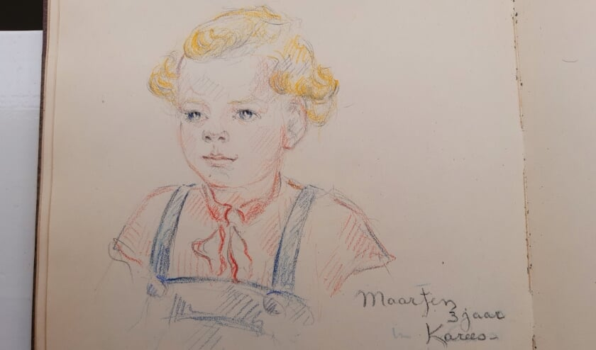 Maartens moeder kon goed schilderen en tekende daardoor veel kinderen in het kamp. Foto's maken was gedurende ruim drie jaar niet mogelijk.