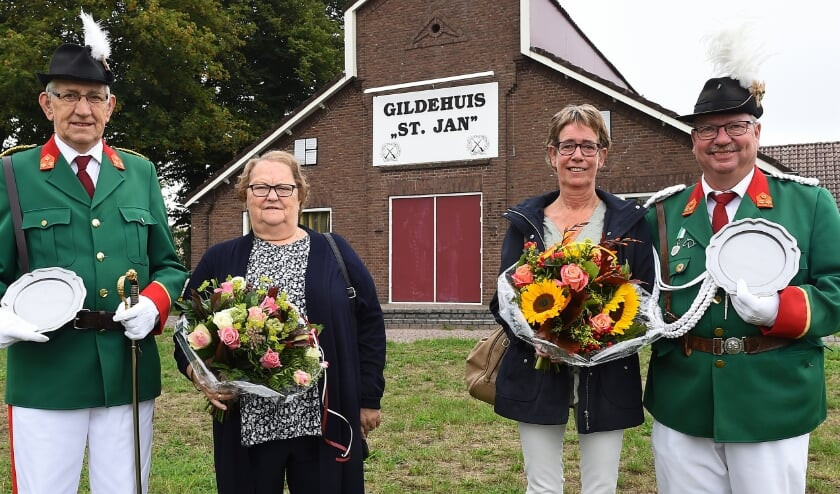 <p>Het onderscheiden duo met hun partners. (Foto: Roel Kleinpenning).&nbsp;</p>