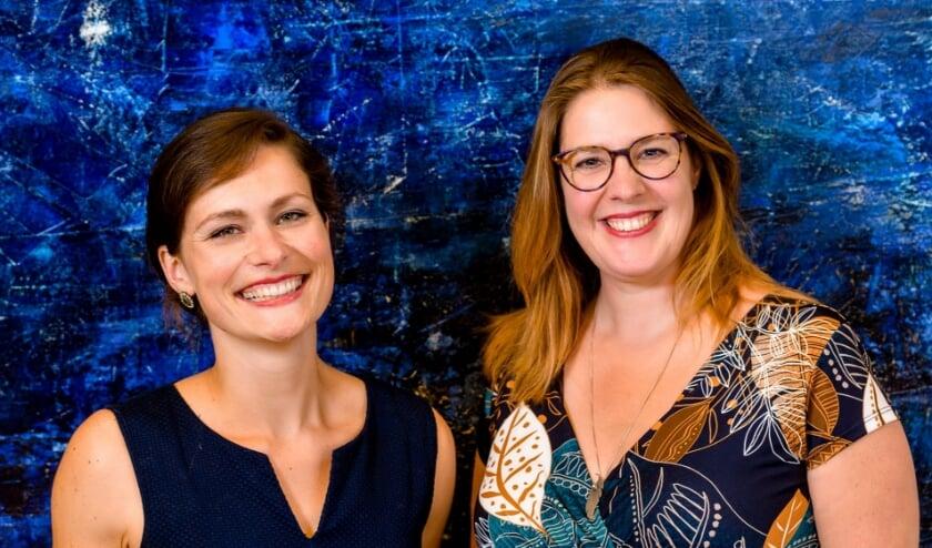 <p>Charlotte Houberg (links) die opgroeide in Hulshorst en Heleen Vegter. (Foto: Mel Boas)</p>