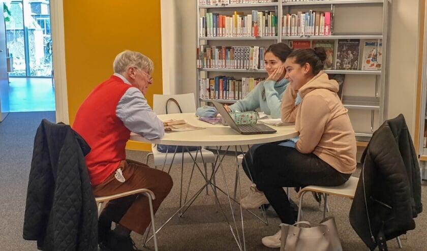 Het Taalcafé start in de Week van Lezen en Schrijven