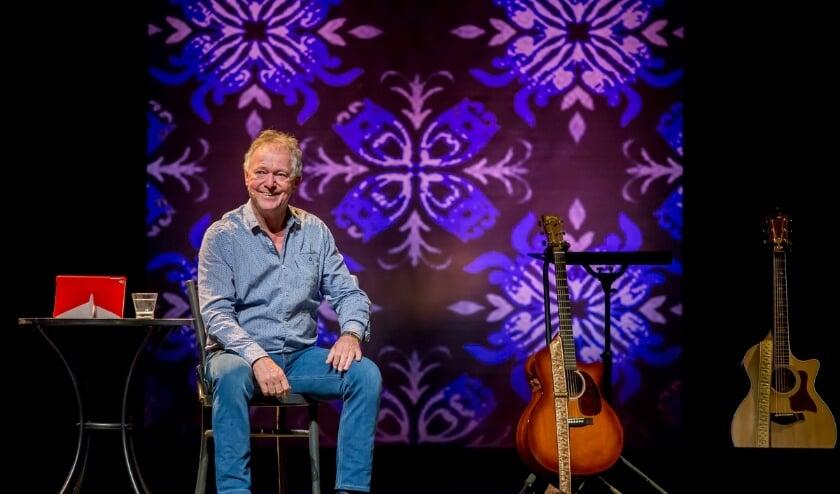 Harrie Jekkers staat aan het einde van de maand op de planken met zijn solovoorstelling 'Achter de duinen'. Foto:  Maarten Ederveen