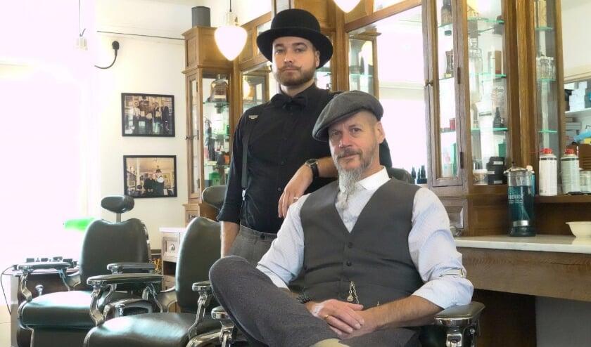 <p>Guus Baltjes en Bert Veldhoven van Maclaine&#39;s Barbershop in Zaltbommel vertellen maar al te graag over de baard!&nbsp;</p>